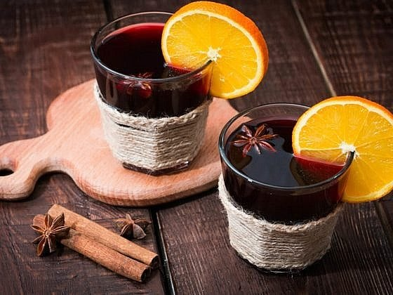 mulled wine with orange, star anise and cinnamon